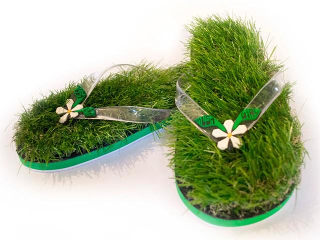 Тапочки из травы