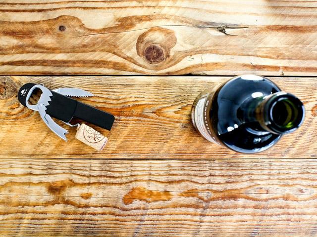 Открыватель для бутылок Pirate