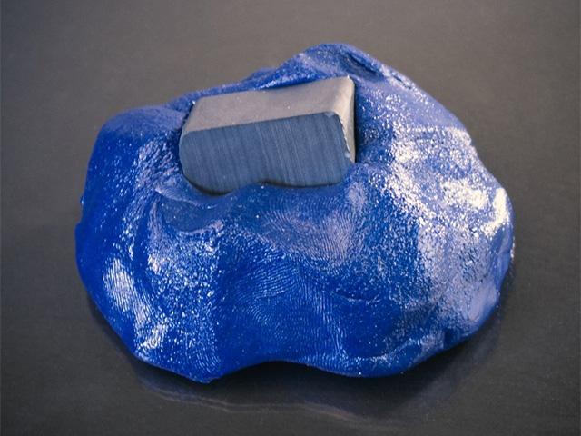 Магнитный пластилин синий