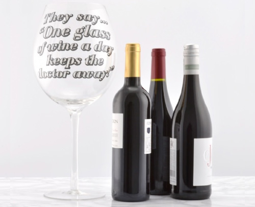 гигантский бокал под вино