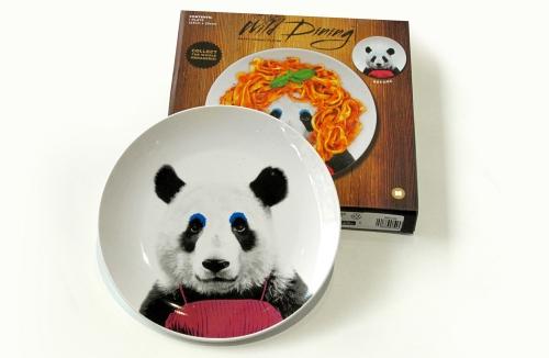 тарелка с пандой и упаковка